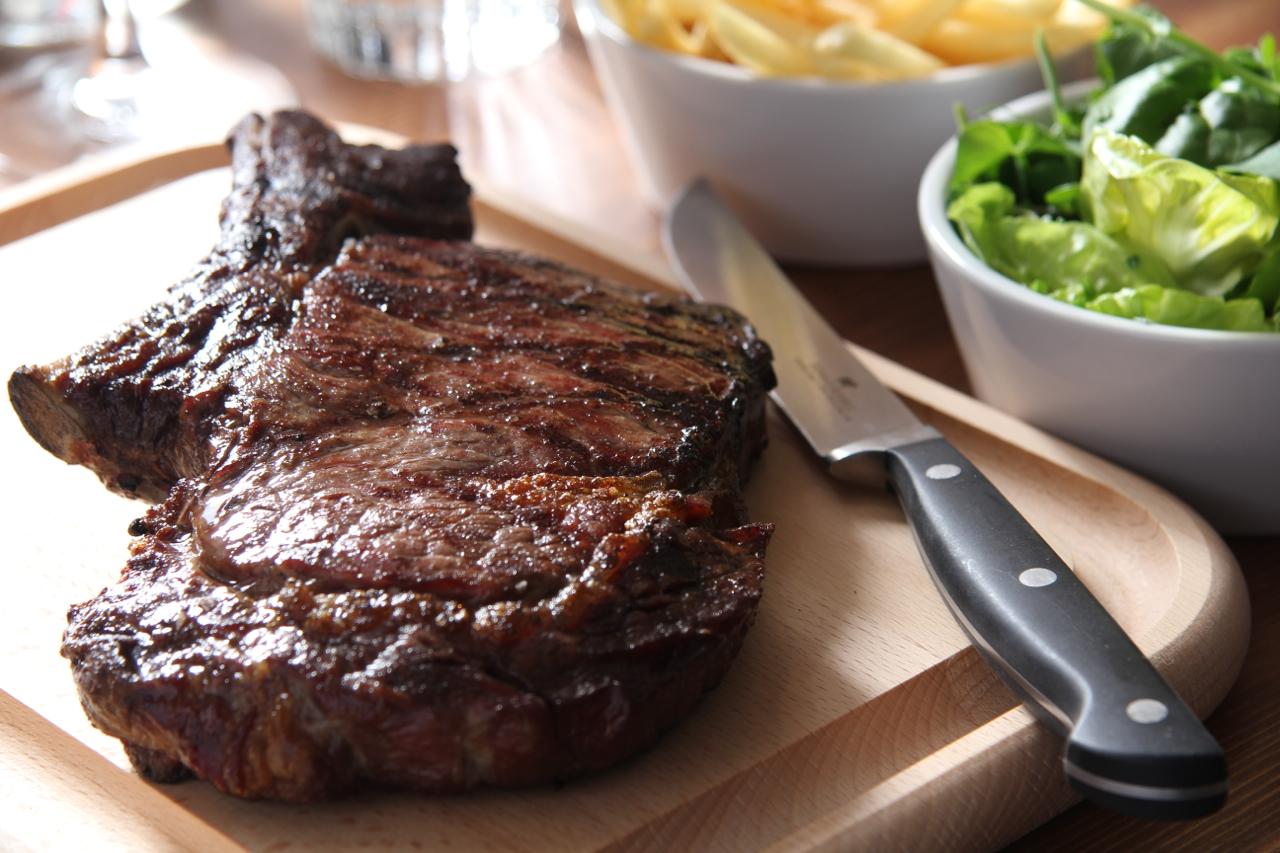 Steak (L)