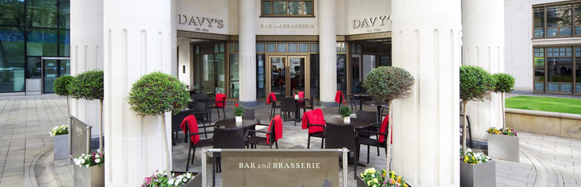 Davy's at Woolgate outside area