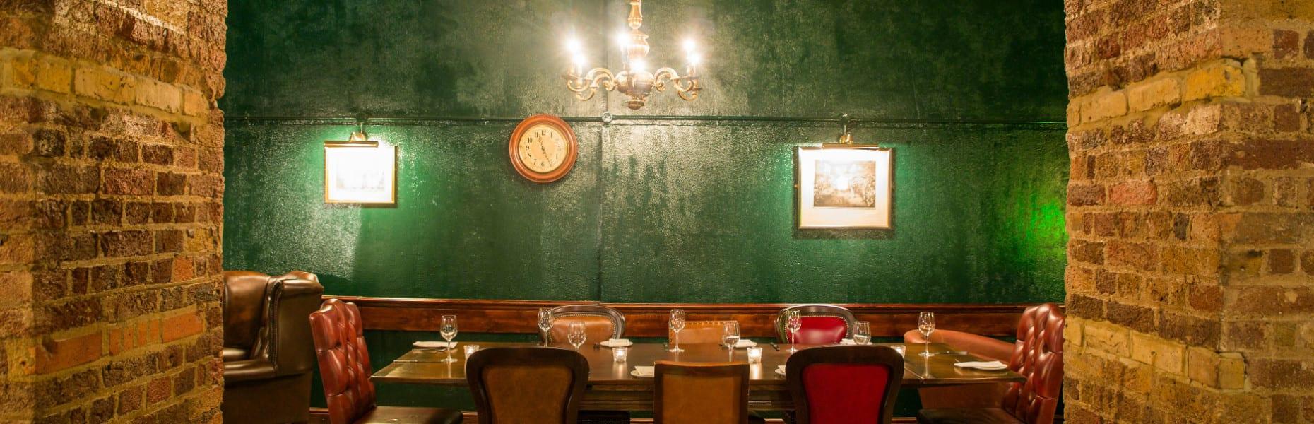DavysCityFlogger room 1870